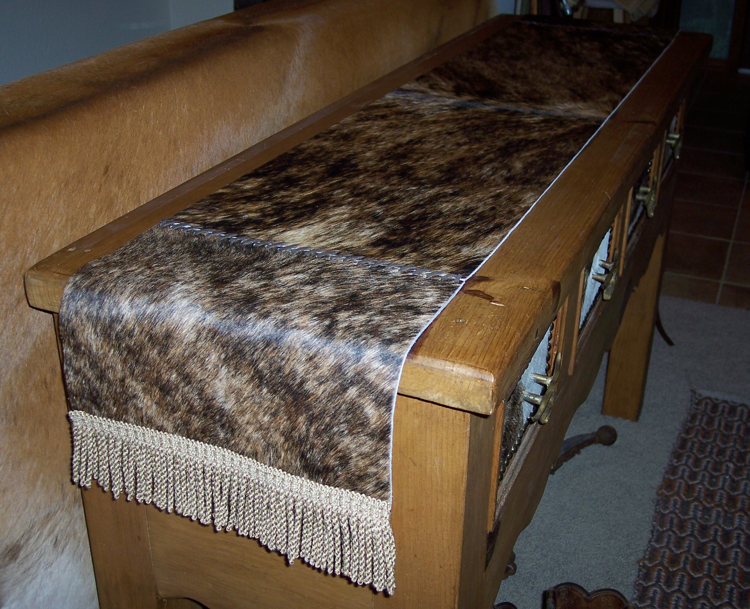 Table runners for Hide tr in table